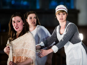 Eve Daniell, Chloe Hinton and Clementine Lovell as Fiordiligi, Dorabella and Despina