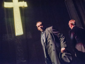 Joseph Chance and Stuart Fox as the actor and Arthur Kipps